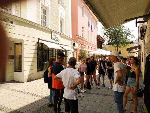 Konsumkritische Stadtführung im Ethikunterricht