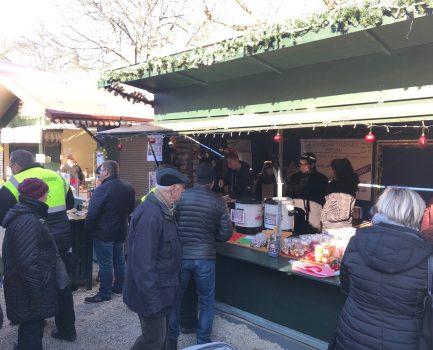 WeihnachtsmarktHütte